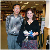SF authors Nancy Kress and Ruhan Zhao at a recent R-SPEC meeting